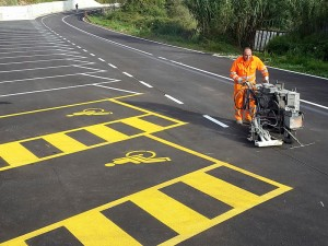 Realizzazione di segnaletica parcheggio e strada